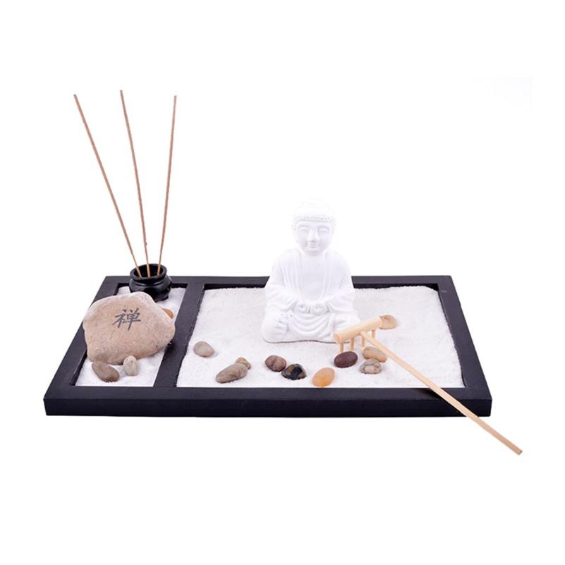 Zen kert fehér Buddhával